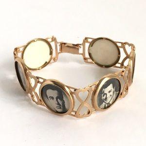 Vintage Sweetheart Bracelet Photo Charm Gold Tone